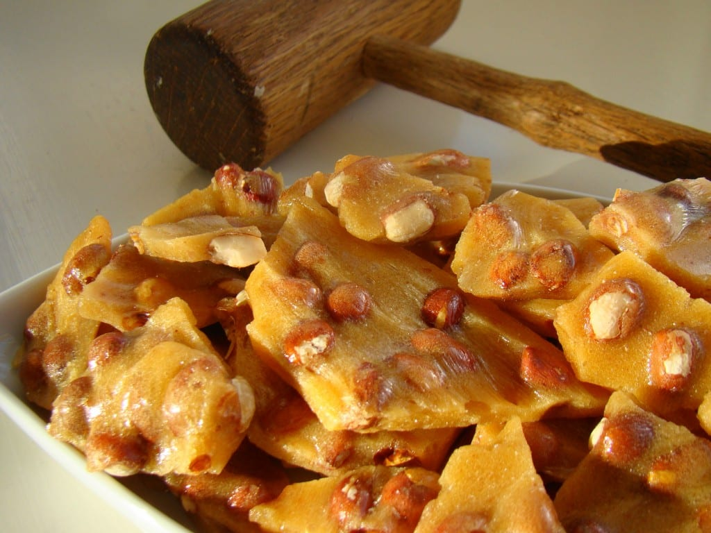 Golden_peanut_brittle