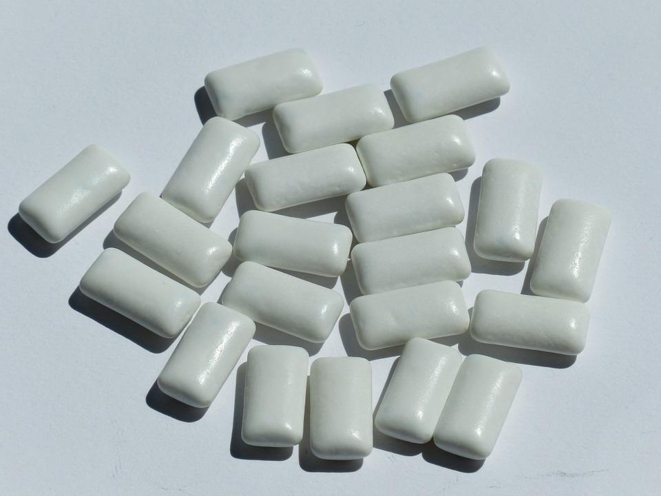 assortment of gum pieces